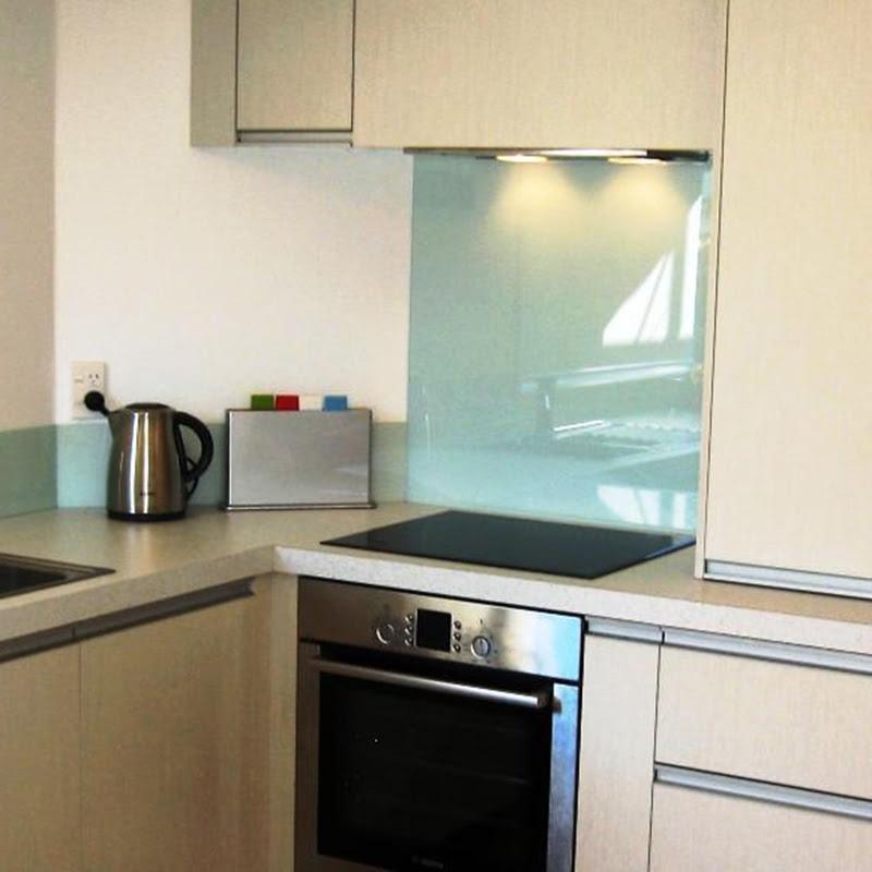 küchenrückwand aus lackiertem glas, küchenrückwand lackiertes glas , küchenrückwand aus glas